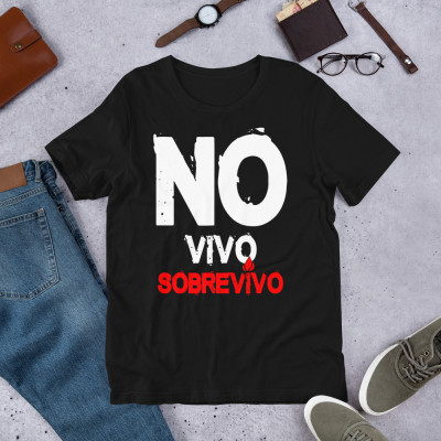 Camiseta UNISEX - SOBREVIVO (c/b) by SUERTECERO