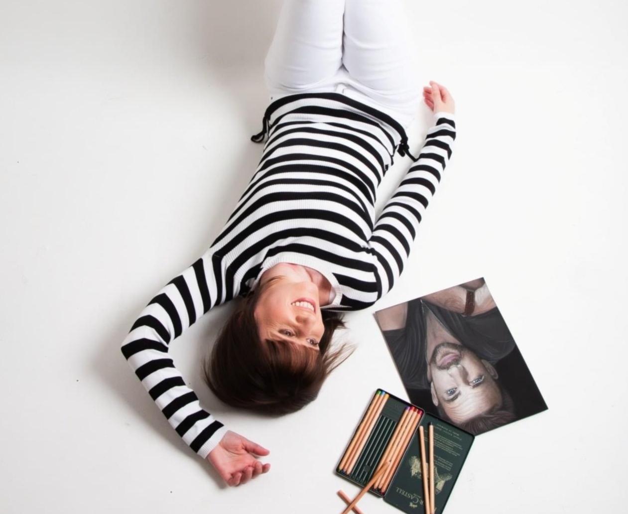 Rachel Maytum, Pastel Artist, Streamer & Website Designer